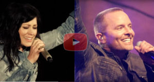 Chris Tomlin & Kari Jobe on Stage Together Creates a Spectacular Live Version of 'Revelation Song'