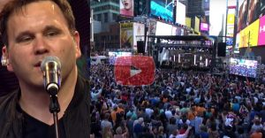 Matt Redman Takes Over Time Square with Hit Song '10,000 Reasons'